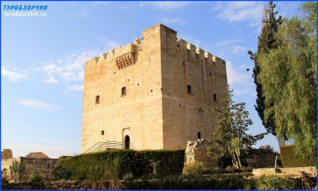 замок-колосси
